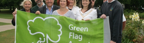The Mayor of Merton, Leader of the council, and Councillor Andrew Judge join Friends of South Park Gardens to celebrate their Green Flag Award