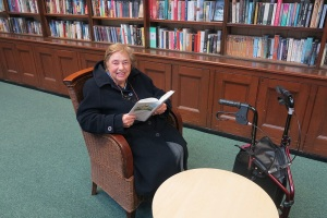 Gerardina Ahmad, a Wimbledon Library for 40 years, visits the library to see its new look