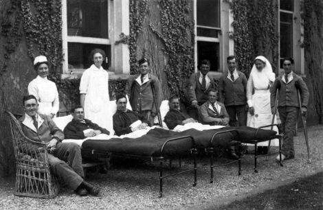 Nurses at the Military hospital at Morden Hall