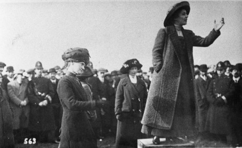 Rose Lamartine Yates addressing a crowd on Wimbledon Common before the war
