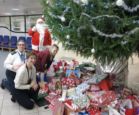 Christmas police appeal Katy Neep, Evie Winter, Joanne Duffy and Santa.jpg